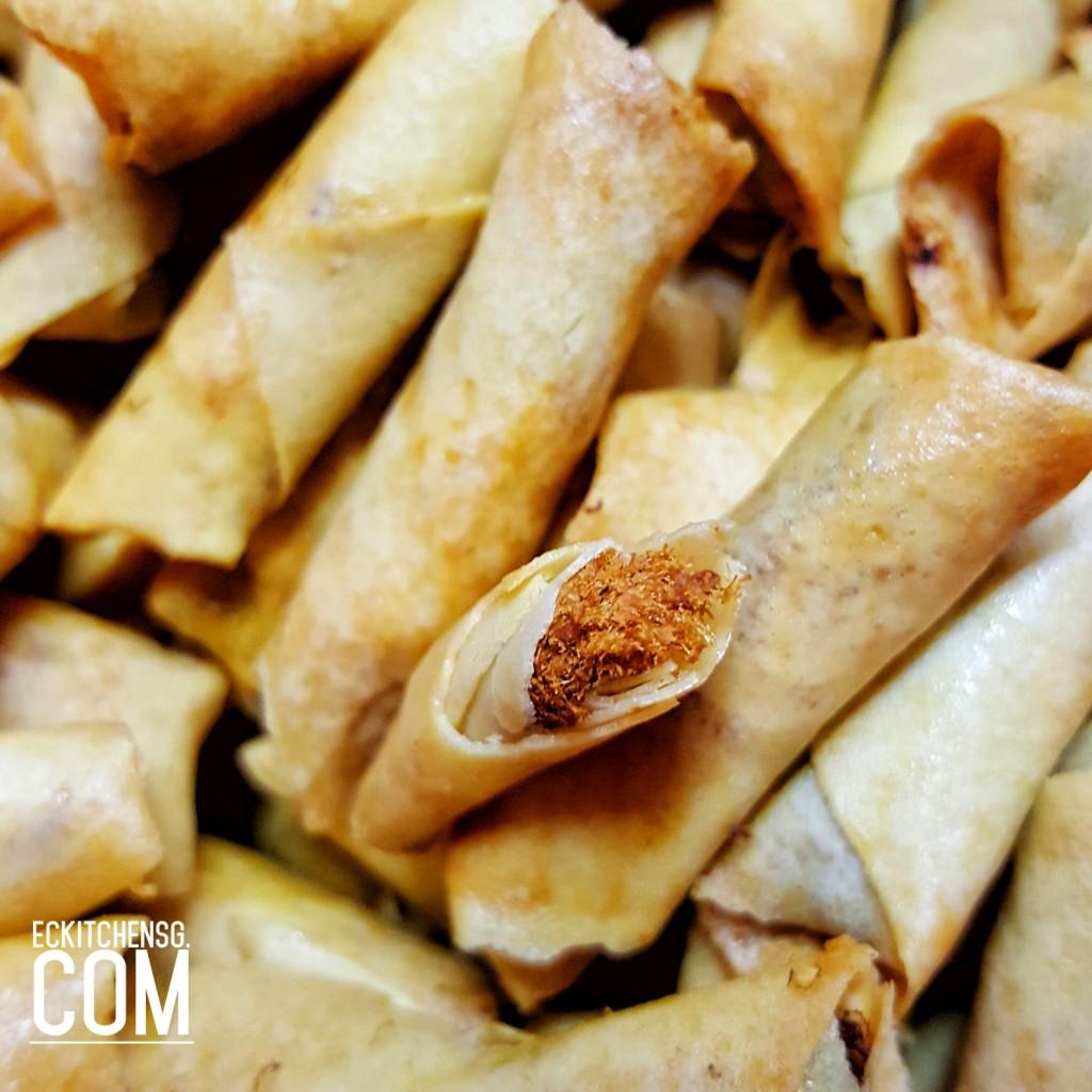 Pork floss roll