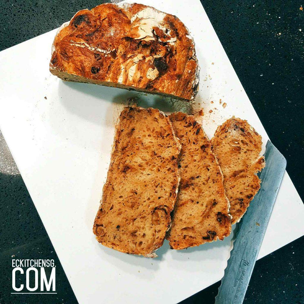 No Knead Caramelised Bread