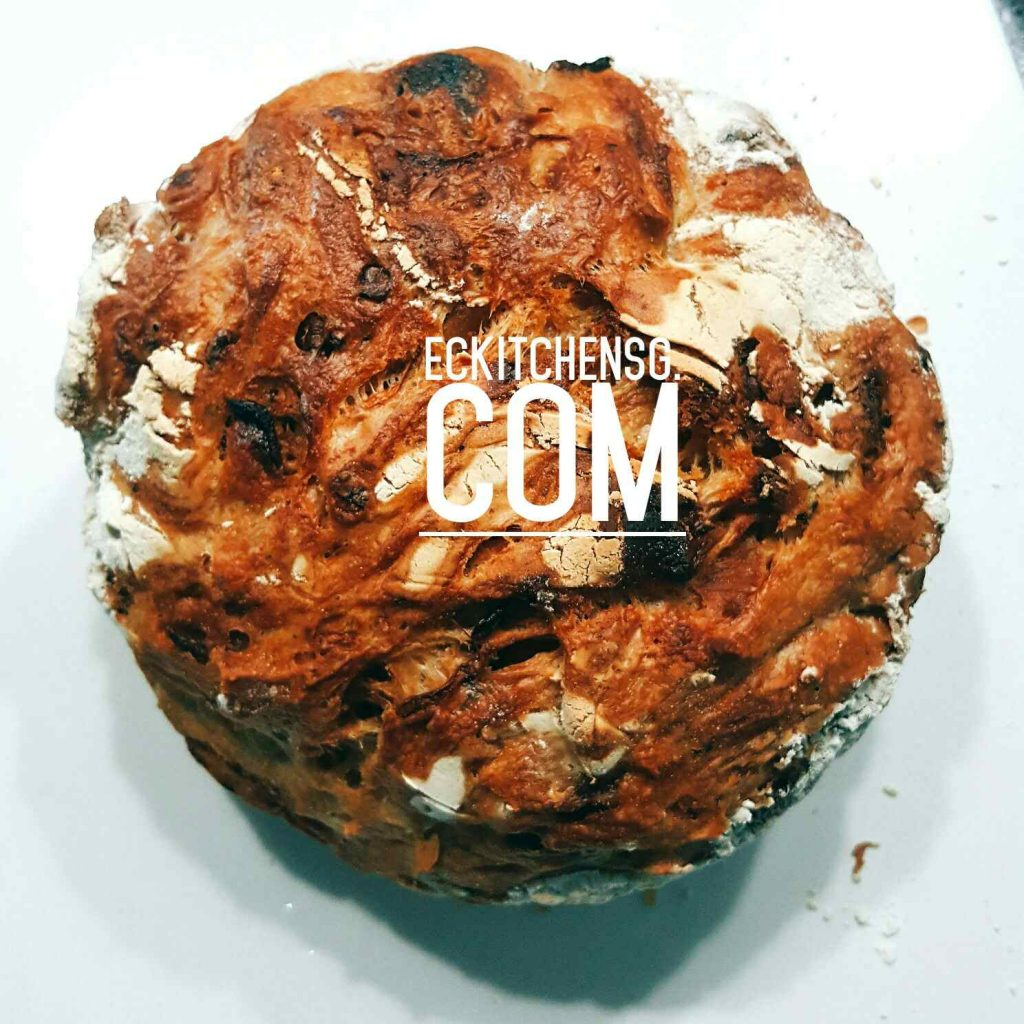 No Knead Caramelised Bread