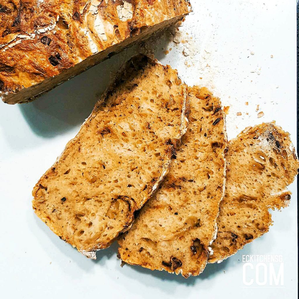 No Knead Caramelised Onion Bread