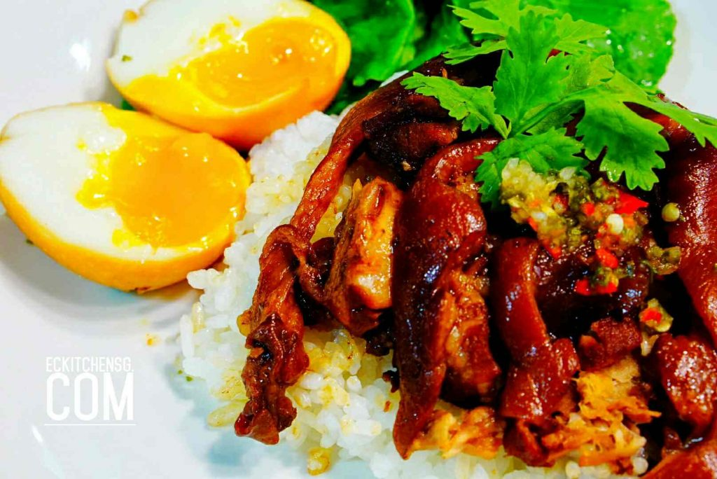 Thai Style Braised Pork Leg on Rice (Khao Kha Moo ข้าวขาหมู)